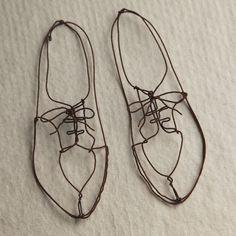 Zapatos de alambre