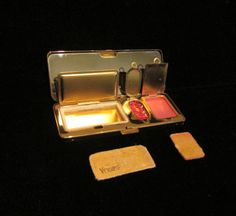 Vintage Compact Art Deco Compact Volupte by PowerOfOneDesigns, $74.99