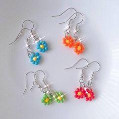 Funky Earrings, Bead Earrings, Earrings Handmade, Handmade Jewelry, Dainty Earrings, Handmade Accessories, Vintage Accessories, Cute Jewelry, Jewelry Crafts