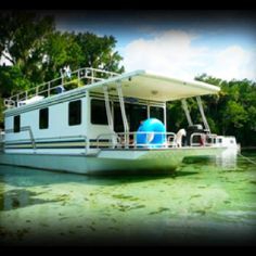 Houseboat for vacation!