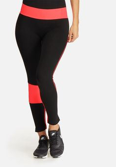 Thanks to their seamless construction, these leggings offer an uncompromising comfort that's suited to all workouts. Multiple contrast panels update this style with fashion-forward appeal, making them an appropriate pairing with a selection of sports bras and trainers. Seamless Leggings, Black Leggings, Fashion Forward, Trainers, Active Wear, Workouts, Contrast, Construction, Pairs