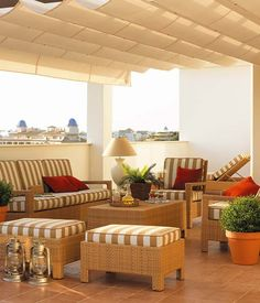 Un ático con terraza en la costa