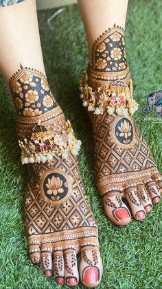 Traditional Mehndi Designs, Basic Mehndi Designs, Latest Bridal Mehndi Designs, Henna Art Designs, Mehndi Designs For Beginners, Mehndi Designs For Girls, Wedding Mehndi Designs, Beautiful Henna Designs, Leg Mehendi Design