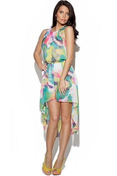 Perfect for every occasion from weddings to vacation, this pretty dress is a must have summer style