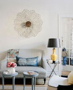 versatile cute coffee table idea - takes up minimal space and can be moved easily.