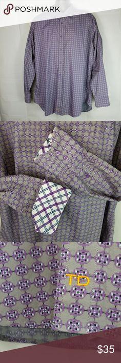 "TD Thomas Dean Button Down Geometric Shirt TD Thomas Dean Button Down Geometric Shirt Long Sleeve Size XXL  Measurements: Chest: 54"" Length: 35.5"" Sleeve: 26"" Thomas Dean Shirts Dress Shirts"