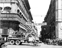 Piazza Venezia June 1944 Allied troops