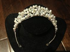 Craft: Wedding Headpiece -- A DIY bridal headpiece made with Swarovski crystals and pearls.  drinkcraftlove.blogspot.com