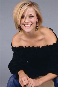Reese Witherspoon hair - Love it! I've always loved her hair! Celebrity Short Hair, Celebrity Hairstyles, Short Hair Cuts, Short Hair Styles, Reese Witherspoon Hair, Resse Witherspoon, Short Celebrities, Celebs, Popular Short Hairstyles