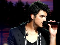 """#TodayinHistory Joe Jonas was born on 15th August 1989  Joseph Adam """"Joe"""" Jonas is an American singer and actor who was born on 15th August. He was a member of the Jonas Brothers, a pop-rock band made up of him and his two brothers, Nick and Kevin. Jonas dated singer Taylor Swift from July to October 2008.  Read more at http://www.laughspark.com/today-in-history-on-15th-august-14296/today-in-history-joe-jonas-was-born-on-15th-august-1989-3411 #Laughspark"""