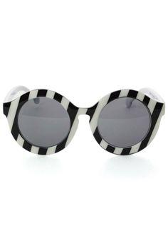 B & W Round Sunglasses