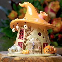New garden fairy houses diy polymer clay ideas Clay Projects, Clay Crafts, Diy And Crafts, Clay Fairy House, Fairy Garden Houses, Fairy Gardening, Clay Houses, Ceramic Houses, Pierre Decorative