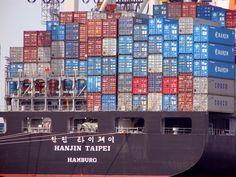 Hanjin Tapei Container Ship