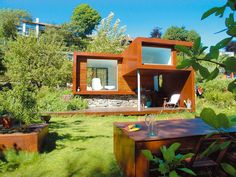 For modern small house architecture design, you can choose the theme of your home. Modern glass architecture or modern wooden architecture. Modular Home Designs, Modern Modular Homes, House Design Pictures, Small House Design, Futuristisches Design, Design Case, Modern Design, Contemporary Design, Home Interior
