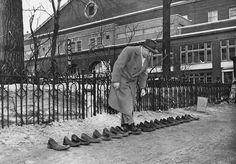 La photo des «claques» perdues au lendemain de l'émeute du Forum (1955). Via @Dave_Stubbs et @jpballeux #Habs
