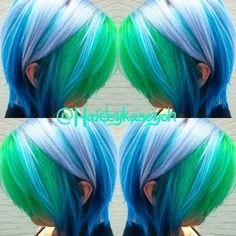 Green-blue dyed hair - Hair And Beauty Pelo Multicolor, Multicolored Hair, Colorful Hair, Funky Hairstyles, Mermaid Hairstyles, Blonde Haircuts, Bright Hair, Coloured Hair, Crazy Colour