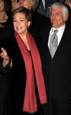 Mary Poppins' Julie Andrews and Dick Van Dyke Reunite for Saving Mr. Banks Premiere?See the Pics! | E! Online Mobile