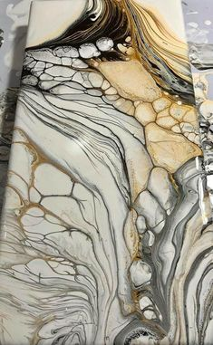 Fluid art example. Get acrylic pouring supplies and start your painting journey! It's easy and fun! #acrylicpouring #fluidart