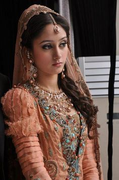Pakistani bridal So pretty and love the unique jewellery too. This colour would look awful on me but love the design! Pakistani Bridal Dresses, Pakistani Outfits, Indian Dresses, Indian Outfits, Wedding Dresses, Beautiful Bride, Beautiful Dresses, Beautiful People, Beauty And Fashion