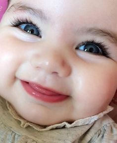 Every parent would be proud to have beautiful babies. Although the baby is cute in the eyes of his parents! You do not have to worry anymore. Cute Baby Boy, Cute Kids Pics, Cute Baby Girl Pictures, Cute Funny Babies, Cute Little Baby, Baby Kind, Little Babies, Cute Babies Pics, Adorable Pictures