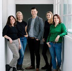 Her er vi i Fristed Arkitekter : Hanne, Silje, Brendan, Gro og Sidsel 🏠foto#BeateWillumsen
