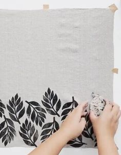 DIY: Block Printing With Our Linen and Kraft Accessories - Cocoknits Block Painting, Fabric Painting, Stencil Fabric, Stamp Printing, Screen Printing, Block Printing On Fabric, Block Print Fabric, Block Printing Designs, Diy Printing
