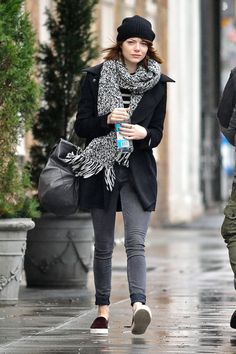 Emma Stone Best New York City Outfits New York Outfits, City Outfits, Celebrity Outfits, Celebrity Style, Fashion Outfits, Casual Outfits, Women's Fashion, Emma Stone Street Style, Emma Stone Style