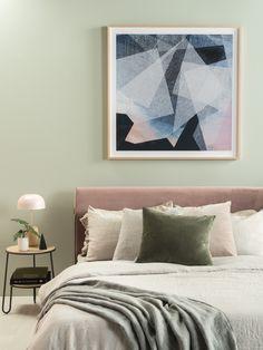 The Smyth bed in velvet