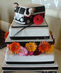 Kombi camper van wedding cake side view #kombilove #kombiweddings