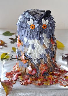 What an immensely lovely autumn creation! Owl Leaf Cake. Would LOVE to have this kind of talent!!!!!