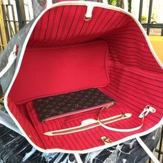 Product code: Dimensions: cm Counter Quality Replica Shop the high quality luxury fashion replica with us! Louis Vuitton Neverfull Gm, Valentino Black, Luxury Bags, Bag Sale, Baby Car Seats, Luxury Fashion, Trending Outfits, Leather, Women's Handbags