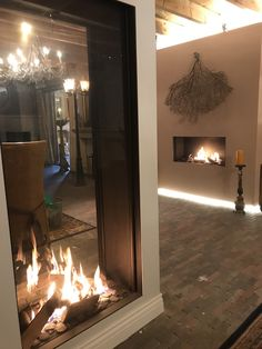 Tiled Fireplace Wall, Freestanding Fireplace, Home Fireplace, Modern Fireplace, Fireplace Design, Interior Exterior, Interior Architecture, Double Sided Gas Fireplace, Living Room Partition Design