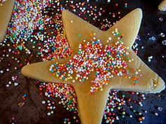 Cookies From Basic Cookie Dough. Basic Cookie Recipe, Basic Cookies, Cookie Recipes, Window Cookies, Se7en, Recipe Collection, Cookie Dough, Birthday Candles, Sprinkles