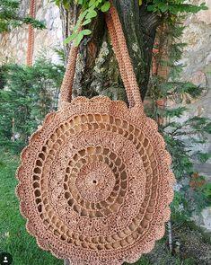 Crotchet Bags, Crochet Tote, Crochet Handbags, Knitted Bags, Diy Crochet, Crochet Stitch, Crochet Shoulder Bags, Plastic Bag Holders, Flower Bag