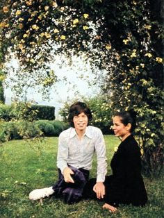 Mick & Bianca Jagger, Outdoor, Garden, Nature, Fashion, Rock and Roll