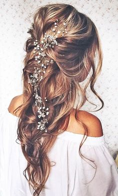 Tendance Coupe & Coiffure Femme Description Most Romantic Bridal Updos And Wedding Hairstyles ❤ See more: www. Romantic Bridal Updos, Boho Bridal Hair, Bridal Style, Bridal Hairstyles, Pretty Hairstyles, Romantic Hairstyles, Hairstyle Ideas, Beach Wedding Hairstyles, Bohemian Hairstyles