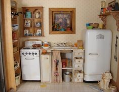 A vintage kitchen for my American Girl dolls.  I could do this with my Wolverine kitchen appliances.