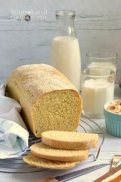 Nagyon régóta terveztem, hogy kukoricás kenyeret sütök, és eddig csak egyszer készült a konyhámban hasonló, de az kukorica... Pepperoni, Food And Drink, Cookies, Baking, Ethnic Recipes, Breads, Crack Crackers, Bread Rolls, Biscuits