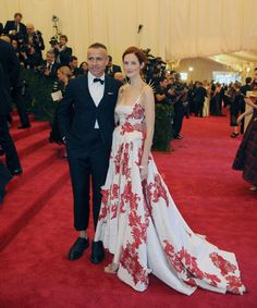 Thom Browne and Taylor Tomasi Hill in a dress by the designer at the Met Gala. (Photo: Jennifer Altman for The New York Times)