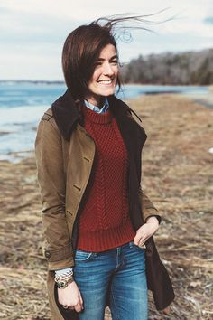 Sarah Vickers of Classy Girls Wear Pearls wears an LL BEAN sweater, CURRENT/ELLIOTT jeans, and BARBOUR jacket.