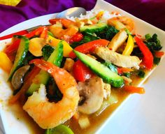 Chop Soy Speciaal ((lekker, gezond en slank kip-, garnaal- en groente gerecht)  Recept: http://www.surinaamseten.nl/showrec.php?IDREC=576