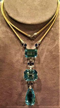 Green Ukallaite Femme R/étro goutte deau Plaqu/é or Ensemble de bijoux Collier Bracelet Boucles doreilles Bague Taille unique