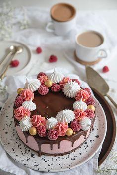 Asian Cake, 40th Birthday Cakes, Funny Cake, Sweet And Salty, Something Sweet, Food Design, Cake Art, Yummy Cakes, Smoothie