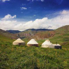 Love it leben wie die Nomaden in #kirgistan Gastfreundschaft ist gross geschrieben! Die Herde blöckt die Vögel zwitschern - hier ist Naturpur #songkol