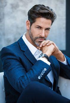 Business Man Photography, Portrait Photography Men, Photography Poses For Men, Corporate Portrait, Business Portrait, Beard Styles For Men, Hair And Beard Styles, Beautiful Men Faces, Gorgeous Men