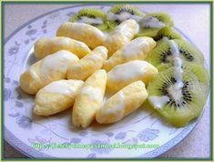 Dietetyczne pyszności: Twarogowe kluski Vegetarian Recipes, Snack Recipes, Cooking Recipes, Snacks, Cooking Oatmeal, Kiwi, Cooking Bread, Good Food, Diet