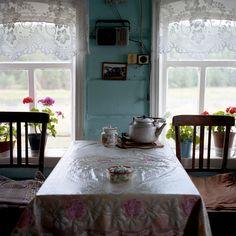 fancyfinefox:    Babushka lives here (by Anton Novoselov)