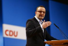 © Reuters. Delegate Spahn holds an election campaign speech during the Christian Democratic Union (CDU) party convention in Cologne