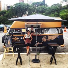 New food truck ideas coffee mobile cafe Ideas Food Trucks, Kombi Food Truck, Coffee Carts, Coffee Truck, Fire Truck Room, Mobile Coffee Shop, Coffee Trailer, Mobile Cafe, Cafeteria Food