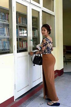 I'd never get tired of this. Sexy Asian Girls, Beautiful Asian Girls, Belle Nana, Plus Sise, Burmese Girls, Myanmar Women, Beautiful Muslim Women, Asian Model Girl, Curvy Women Fashion